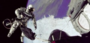 nasa astronaut claims to have seen ufo on 1965 Gemini mission