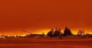 skies turn blood red over Oregon