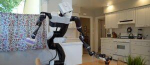Toyota unveils robot robomaid